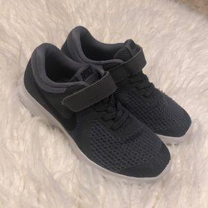 Boys dark grey Nike.  Size 13
